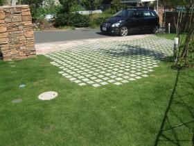 芝の駐車場