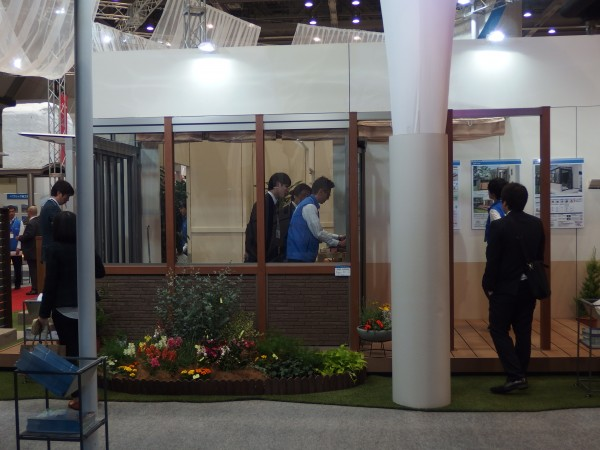三協アルミ社 ガーデンルーム スマーレの展示