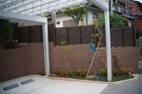 壁際の植栽