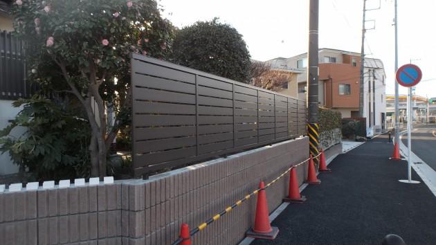 フェンスのパネルの取付