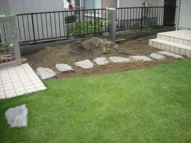 芝生の撤去