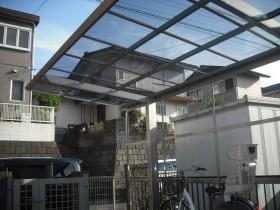 サイクルポート屋根の組み立て