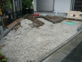 駐車場路盤砕石敷き