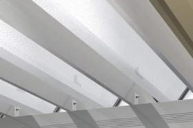折板屋根のカーポート